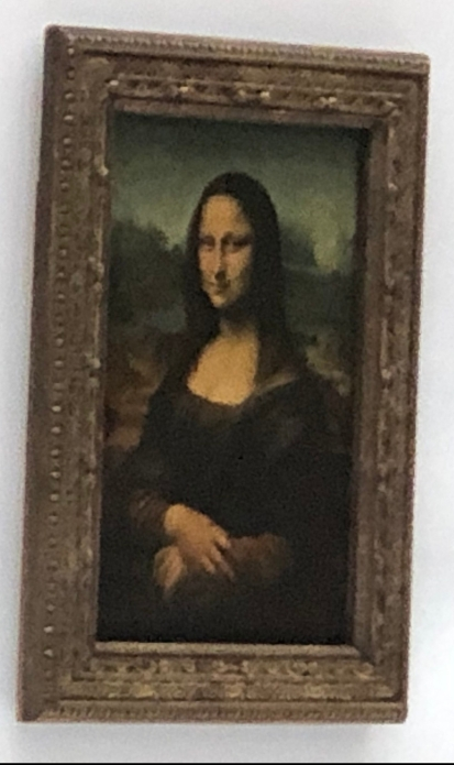 Zooming in to Mona
